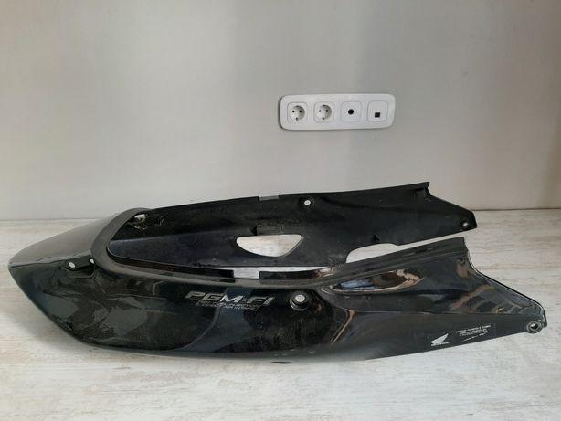 Задний обтекатель пластик Honda CBR1100XX инжектор