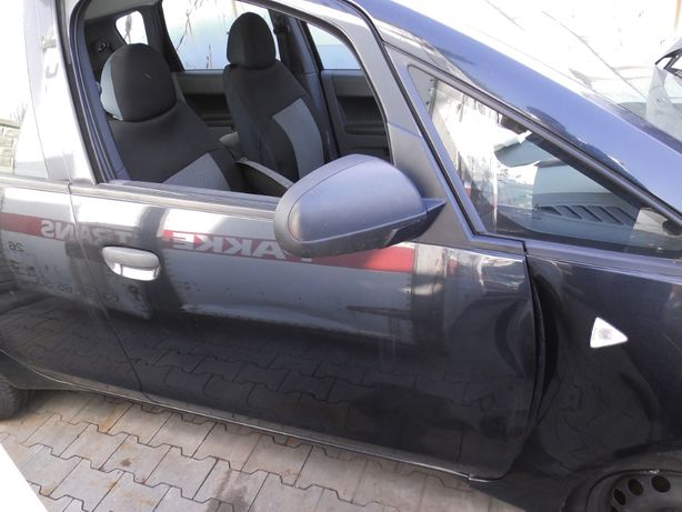 Drzwi przód prawe Mitsubishi Colt