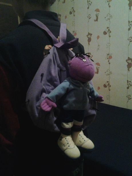 Рюкзак, канистра, чемодан, спальный мешок