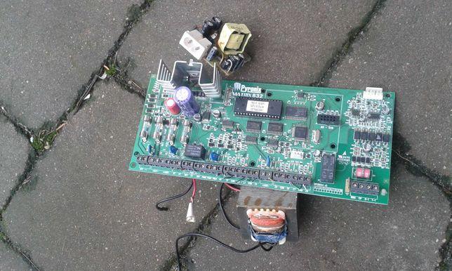 Płytka z elektroniką I transformator