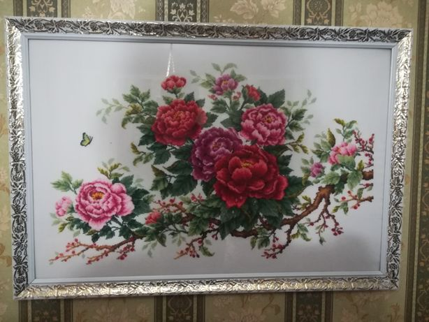"Вишита картина ""Троянди"""