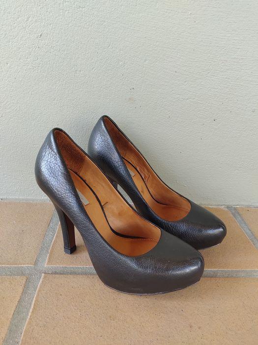 Sapatos Uterque originais - pele, preto Apúlia E Fão - imagem 1