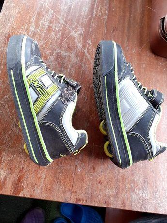 Продам кроссовки-ролики