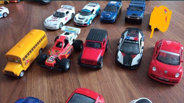 Машинки модельки Kinsmart