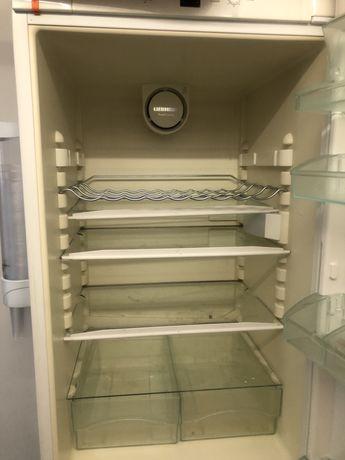 Продам холодильник бу liebherr под ремонт или на запчасти