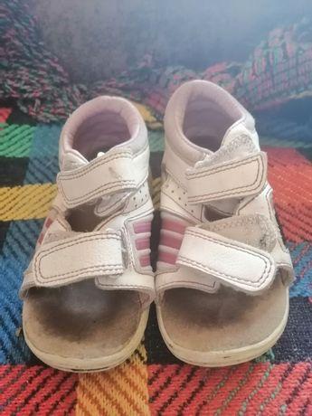 Босоножки, санадли, летняя обувь