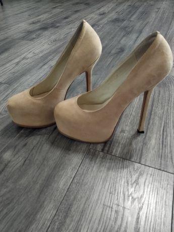 Шикарные женские туфли 37р, Италия, кожа+замш, 1 раз одеты, Лабутены