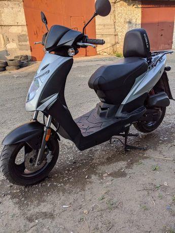 Скутер Кумсо
