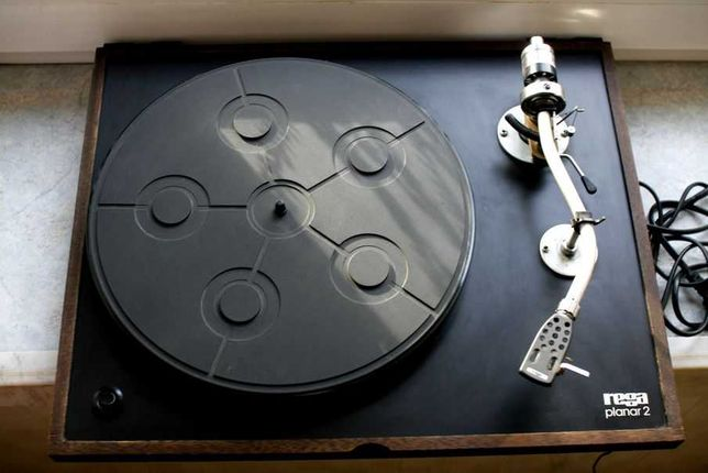Wsokiej klasy gramofon znanej angielskiej marki Rega
