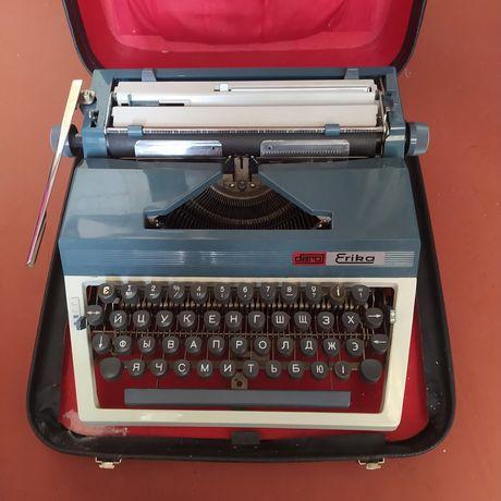 Продам печатную машинку Erika 30/40 с украинской клавиатурой.