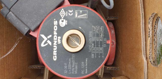 Pompy CO.  Obiegowe Grundfos UPS 32-30 F DN