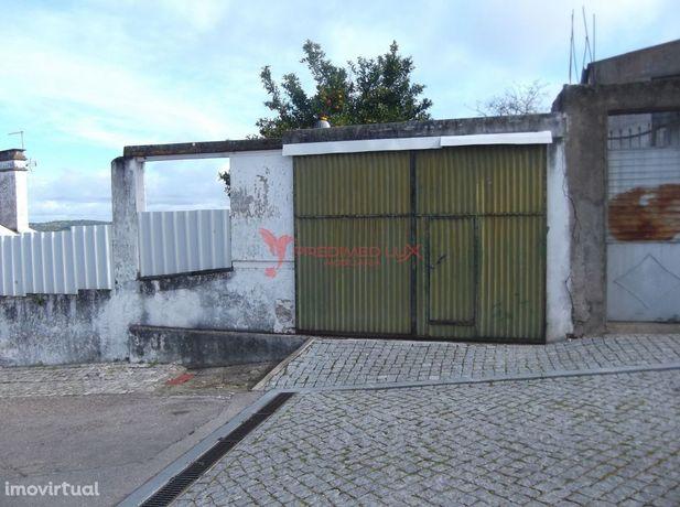 Terreno urbano para construção com 293m2 em Mora- Évora- 36.500€