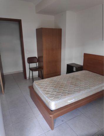 Quarto mobilado (wc privativo) Santa clara - ESTG