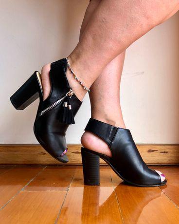 Sapato Preto Tacão Alto