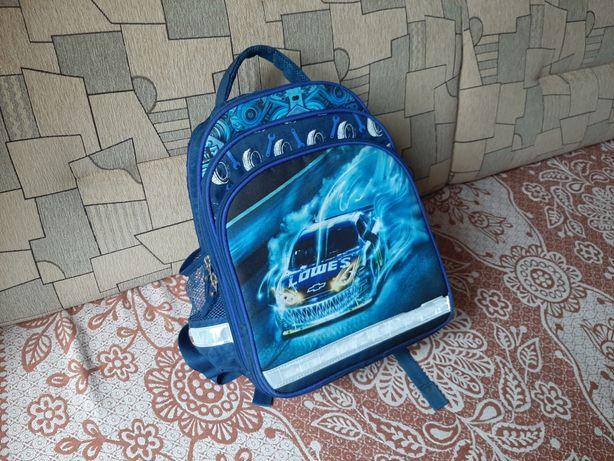 Рюкзак школьный для мальчика 1-2 класса