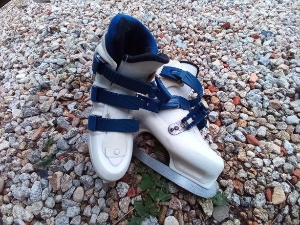 Patins de gelo da marca Skate Force tamanho 35/36 novos