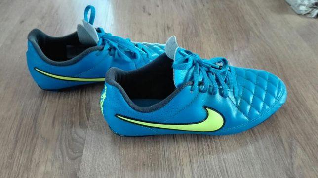 Korki Nike, rozmiar 38
