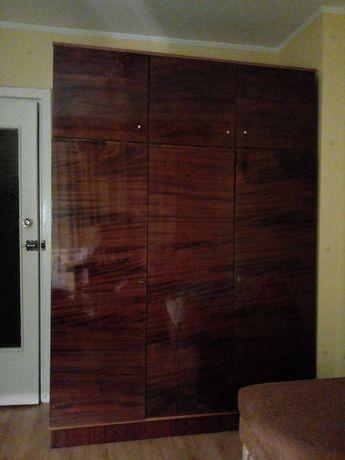 Шкаф для одежды с антресолями