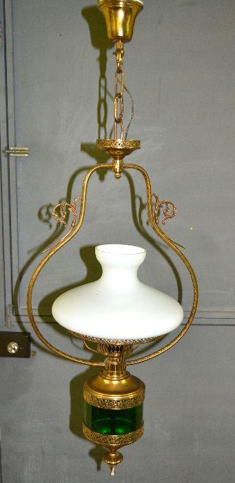 Candeeiro de teto em metal dourado e vidro, abajur em vidro leitoso