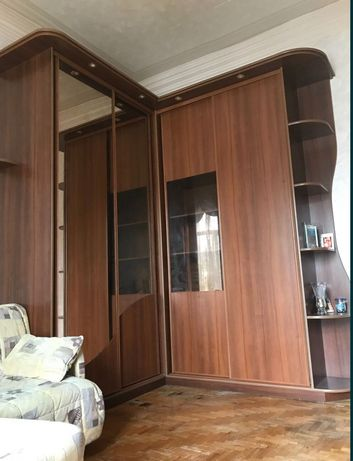 Продам шкаф-купе высотой 3 метра