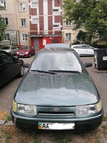Автомобиль Ваз 21104,зеленого цвета.