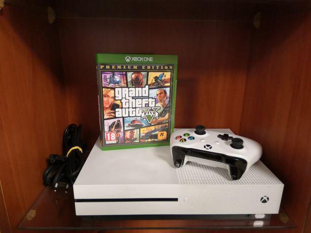 Xbox one s 1TB + pad + okablowanie i GTA V