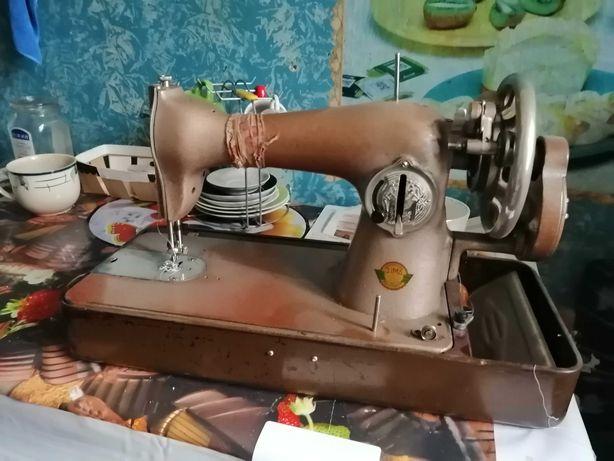Швейная машинка Калинка