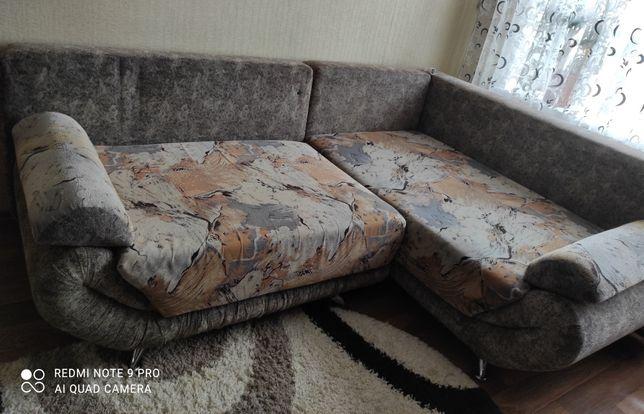 Мягкий угловой диван