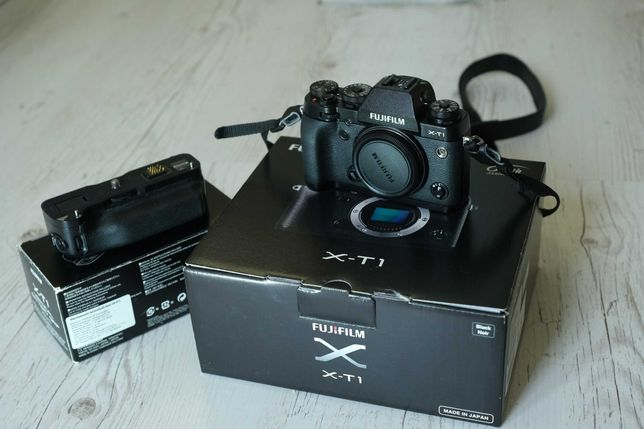 Фотоаппарат FUJIFILM X-T1 + Батарейный блок VG-XT1