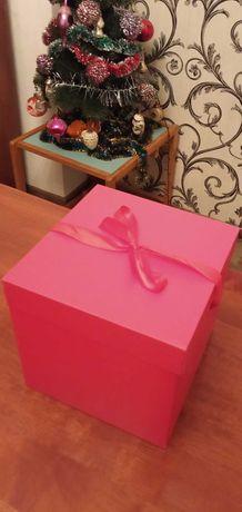 Продается подарочная праздничная упаковка размером 20*20*20 см 180 р.