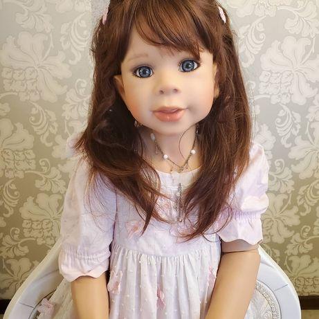 виниловая коллекционная кукла от Левениг Bea