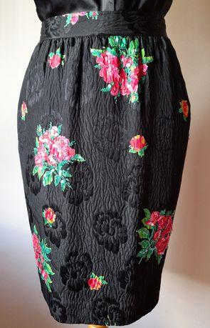 Saia Ungaro Vintage, em seda natural. Tamanho S