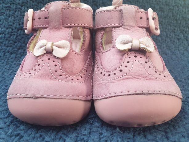 Baleriny sandałki że skóry zamszowej angielskiej firmy Start-rite