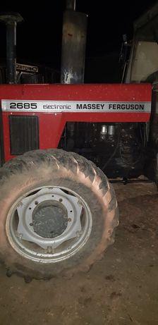 Ferguson 2680 ciągnik