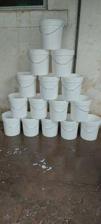 Baldes de 25 litros com tampa alimentar