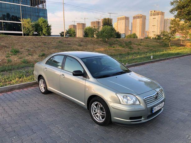 Продаю надійний японський автомобіль Toyota Avensis 2006