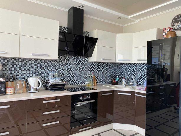 Кухня-столовая и две спальни. ЖК Радужный. Маршала Жукова. Таирово