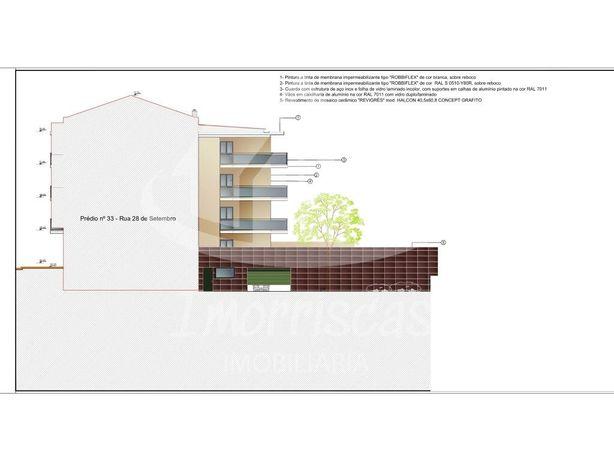 Apartamento T2 em Vialonga, em prédio novo com elevador