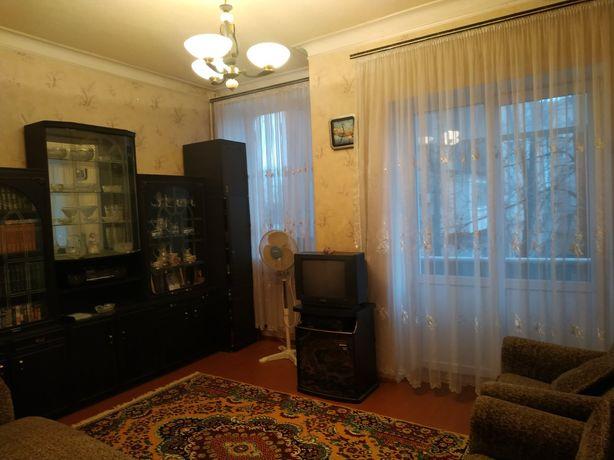 Продам 2 ком. Центр. ул. Независимой Украины 2/4 эт., 58 кв.м. ОСББ.