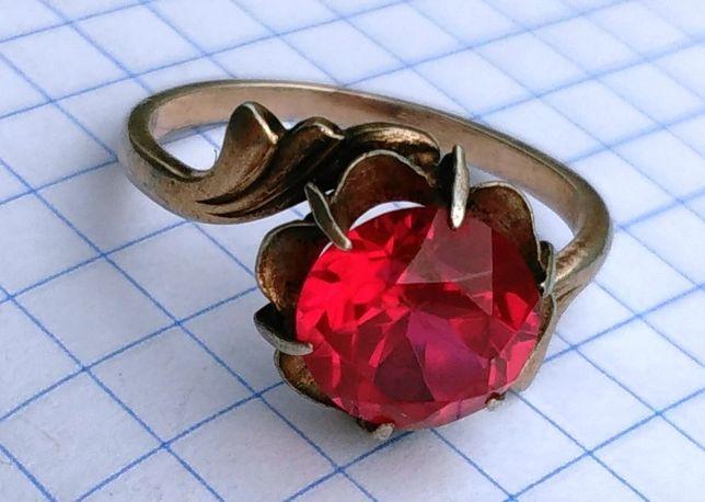 Кольцо СССР серебро с рубином 875 звезда
