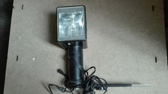 Lampa błyskowa bardzo mocna możliwość robienia zdięc 30 metrów 220v