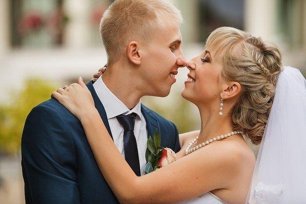 Вечерние, свадебные прически, плетение кос. Окрашивание бровей