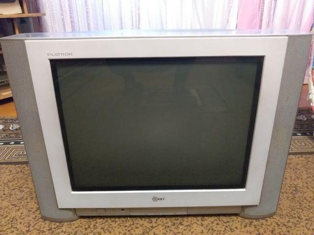 Телевизор Lg флетрон,с плоским экраном