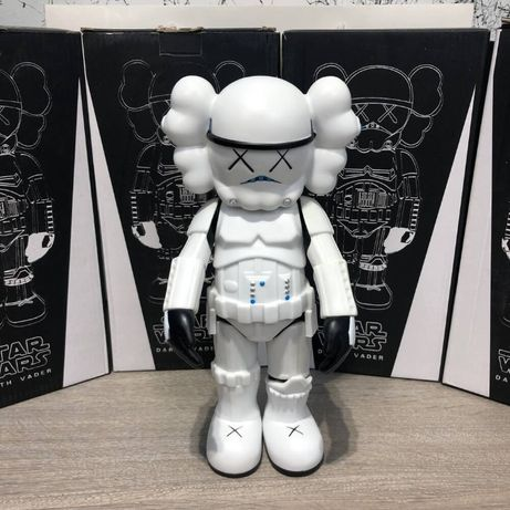Игрушка Kaws Star War Stormtrooper 400% Action Figure , Box Whi