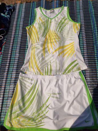 Тенісний костюм жіночий