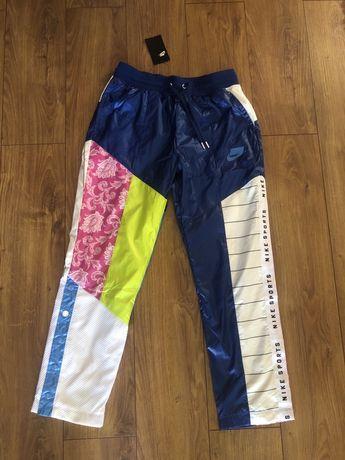 Nowe spodnie dresowe z metką  Nike Sportswear