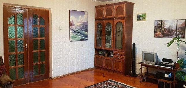 Продам 3-х кімнатну квартиру.