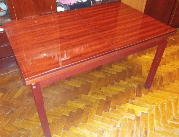 Стол деревянный раздвижной полированный времен СССР (Чехословакия)