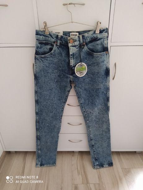 Sprzedam nowe spodnie Wrangler rozmiar M