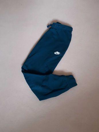Спортивные штаны Nike tech fleece modern nsw climacool lite лампасы